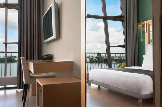 Le Meridien Hamburg: Duplex Suite