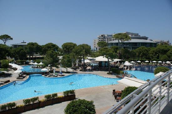 Calista Luxury Resort: swimming pool