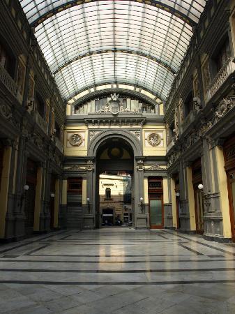 Casalnuovo di Napoli, Italien: Gallería Principe di Napoli
