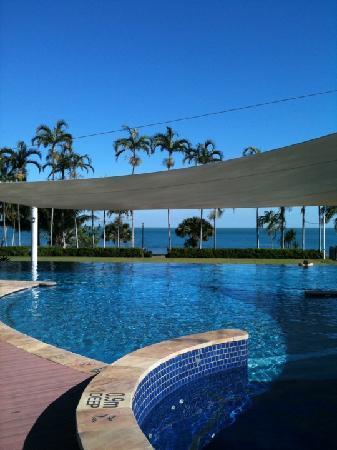 Skycity Darwin: the pool