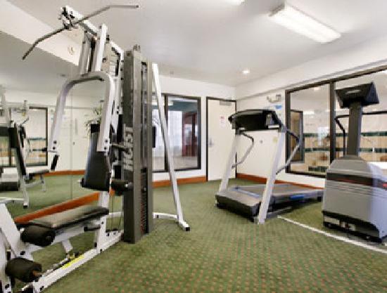 Ramada Portland East : Portland Ramada Fitness Room