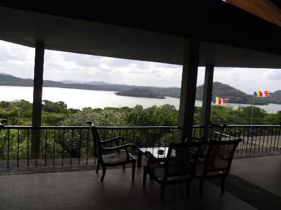 Giritale Hotel: Restaurant View