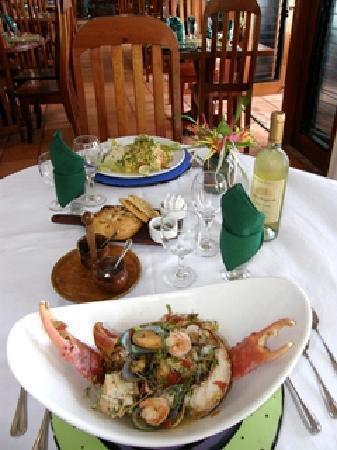 Robert's Grove Beach Resort: Seaside Restaurant