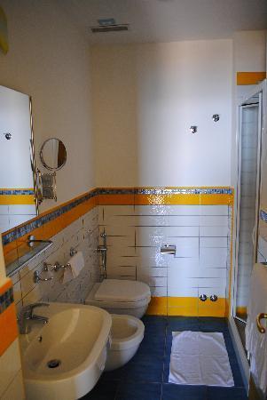 Hotel  Cava dell'isola: bagno camera superior