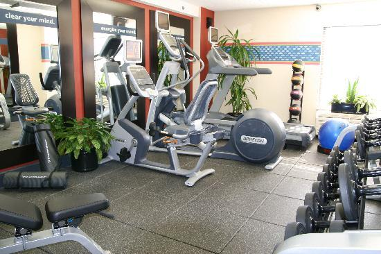 Hampton Inn Greensboro Airport : Fitness Area