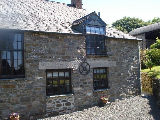 Pencuke Farm Holidays: Apple Cottage