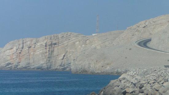 Omã: المناظر الطبيعيه