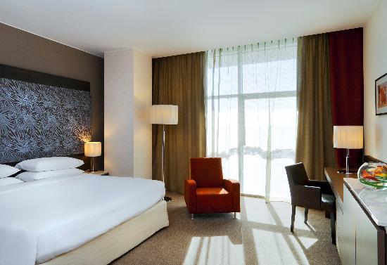 Sheraton Milan Malpensa Airport Hotel & Conference Centre: Club Room