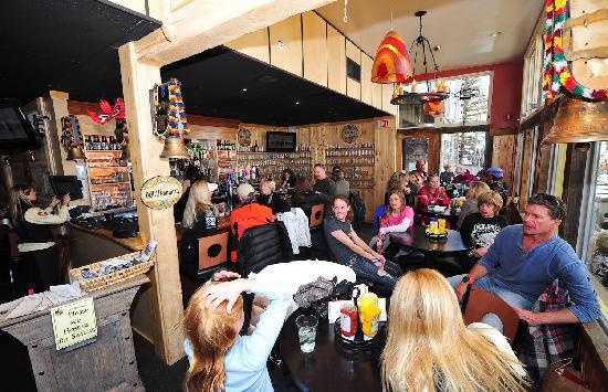 Tomboy Tavern: Inside near the bar at Hop Garden