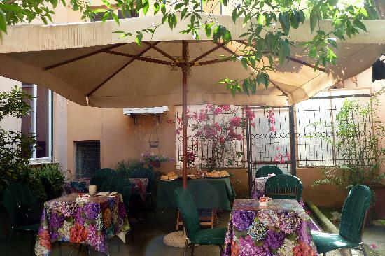 Casa Dominova Bed and Breakfast : Breakfast Area