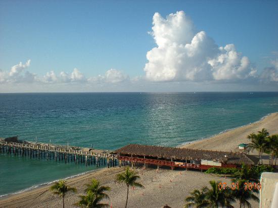 Newport Beachside Hotel and Resort: Ocean South View