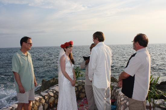Coral Cove Resort: wedding