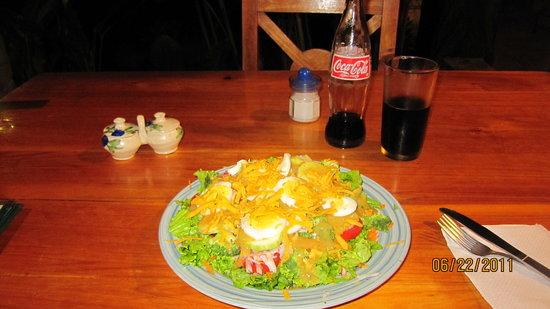 Blind Lemon's Restaurant & Cafe: Dinner salad