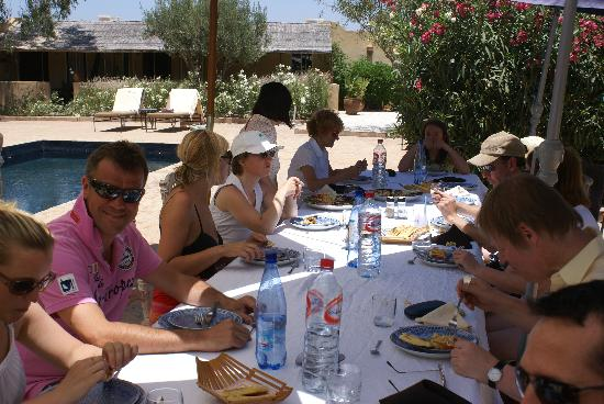 Villa Vanille: relaxing poolside lunch