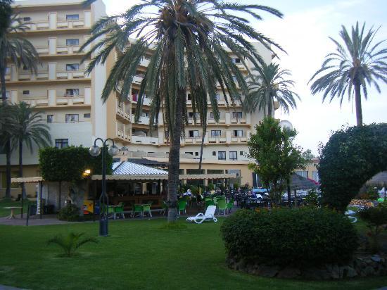 โรงแรมรอยัล คอสต้า: gardens