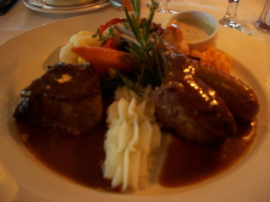 Le Continental: The Mixed grill table d'hote