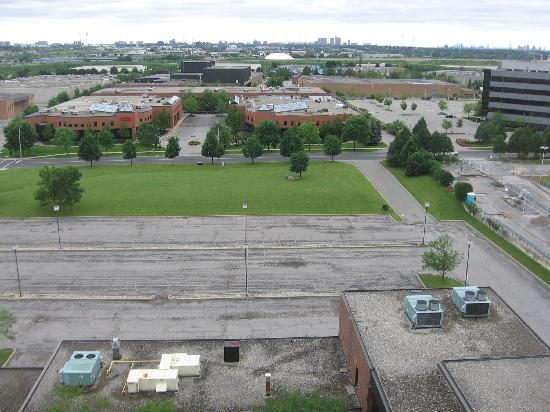 Edward Hotel Markham : View of industrial park