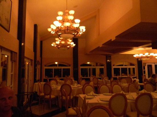 "Hotel Las Olas Beach Resort : ""Abigail"" restaurant"