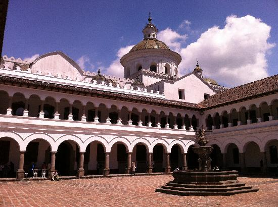 Quito Old Town : Courtyard in Merced church