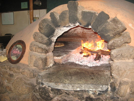 Flatbread Company : Pizza in wood-fired clay oven