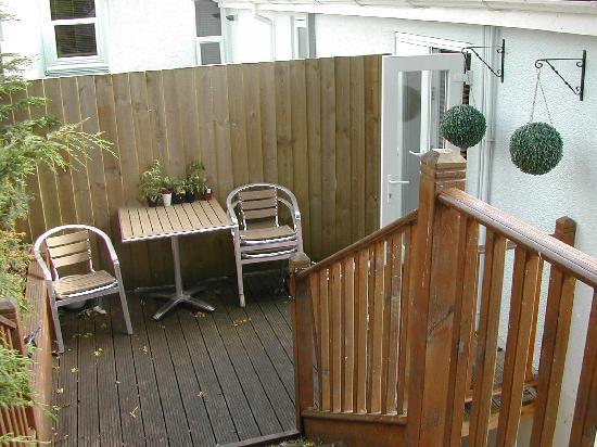 Goodrington Lodge Luxury Apartments: Small seating area outside lounge