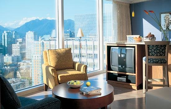 Club Intrawest - Vancouver: Living Room