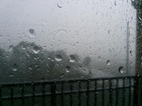 Floridays Resort: View from balcony during a storm