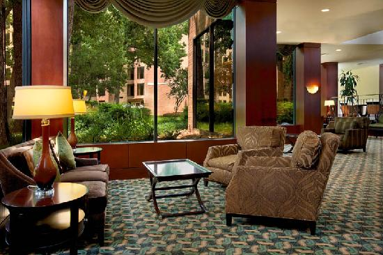Doubletree Houston Intercontinental Airport: The hotel lobby features complimentary wi-fi for all guests.