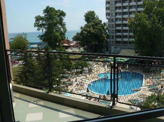 Lilia Hotel: The pool - view from the balcony