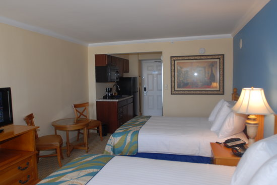 Aqua Beach Inn: Standard Queen showing kitchen that is standard in all guest rooms