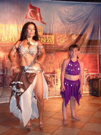 Club Alpina Apartments Hotel: Erin and The BellyDancer