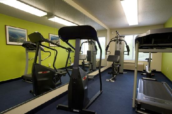 Fairfield Inn & Suites by Marriott Traverse City: Fitness Room