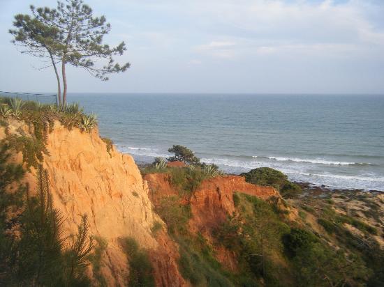 Alfagar Aldeamento Turistico: view from the bedroom
