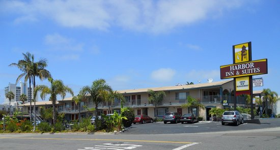 Harbor Inn & Suites Oceanside / San Diego: Frontal View