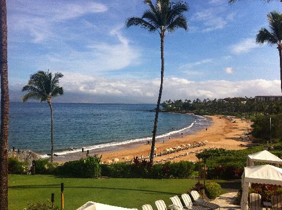 ‪فور سيزونز ريزورت ماوي آت وايليا: Wailea Beach from the resort‬