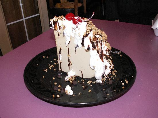 Szabo's Steakhouse and Seafood : Yup, Mile High Mud Pie!!!