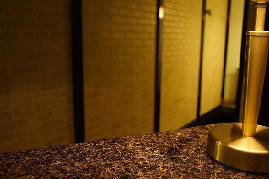 Avalon Rooms: Reception detail