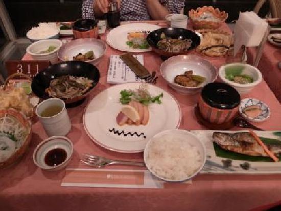 Otari-mura, Giappone: 夕食の写真