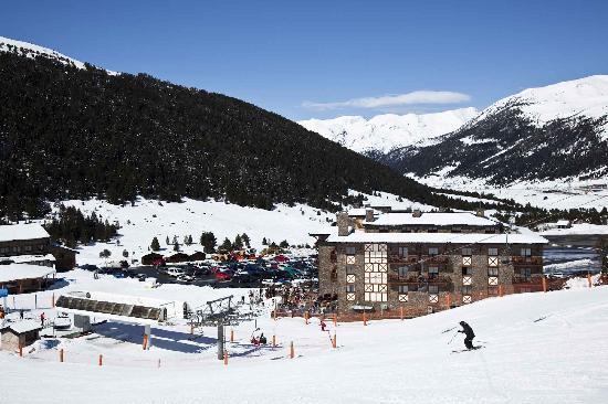 Grau Roig Andorra Boutique Hotel & Spa: Localizacion Hotel invierno