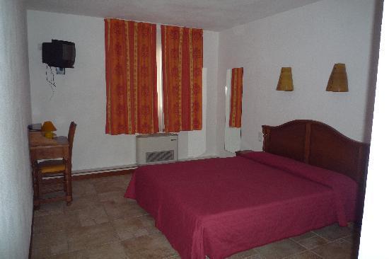 Toute petite salle de douche picture of apart hotel les - Cabine de douche petite taille ...