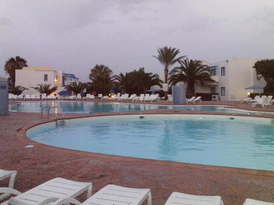 Aparthotel Paradise Island : Main pool