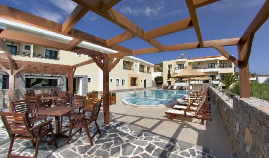 Dias Hotel & Apartments : Pool Area
