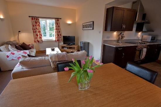 Stayinborrowdale- Garden Cottage and The Coach House: The Coach House living room