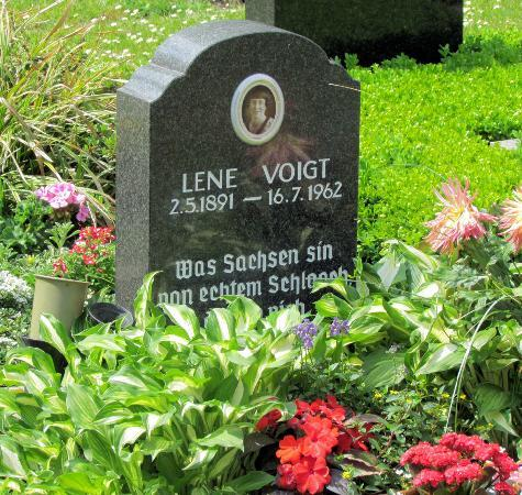 Sudfriedhof: Lene Voigt, sächsische Mundartdichterin