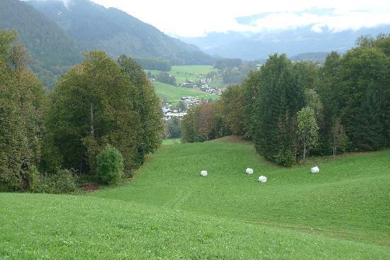 Alpenhotel Hundsreitlehen: View over the valley