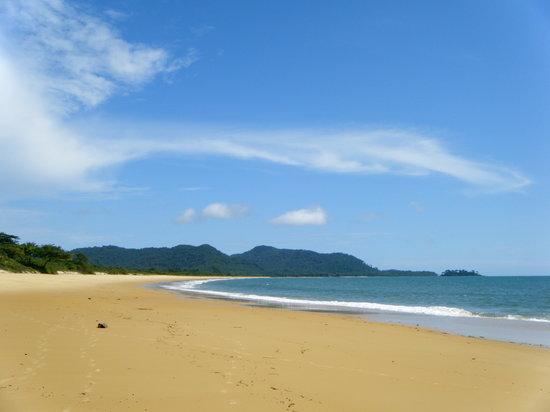 Sierra Leone: Bureh Beach