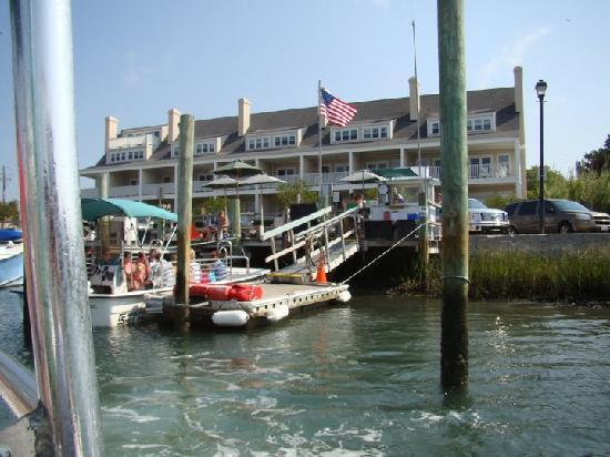 ‪‪Inlet Inn‬: The Inlet Inn from the water‬
