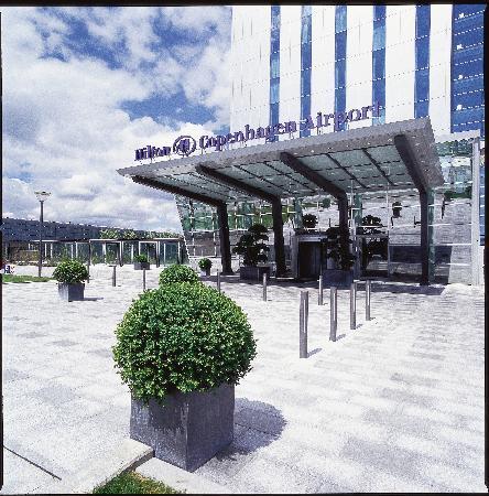 Clarion Hotel Copenhagen Airport: Entrance Hilton Copenhagen Airport