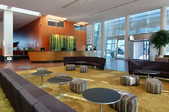 Clarion Hotel Copenhagen Airport: Lobby