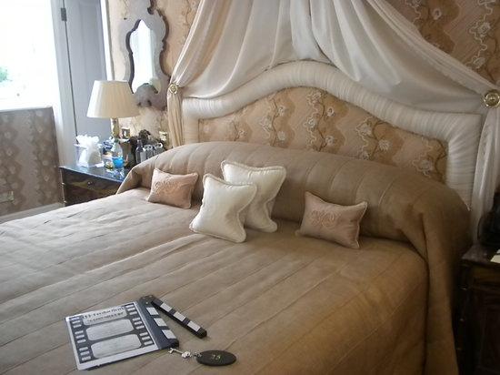 Egerton House Hotel : Wonderful King size bed